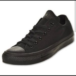Converse all black low tops